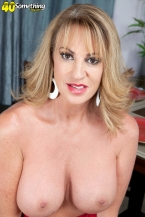 Annette craves to check out you jack off