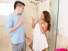 Brandii takes a shower with her son's superlatively precious friend
